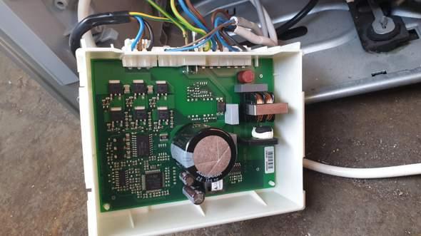 Siemens/Bosch Inverter defekt? Wie kann ich den Inverter vom Kühlschrank testen?