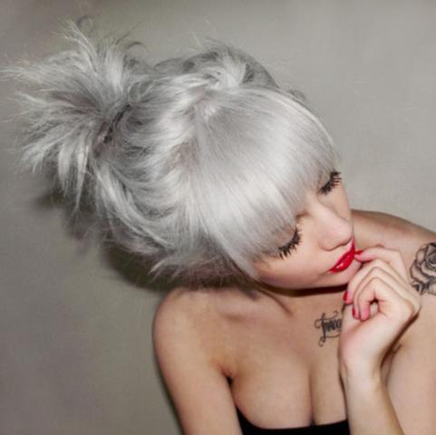 Silver-grey hair - (Haare, Silber, grau)