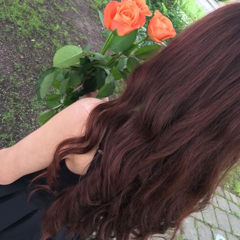 Haare im Moment.Die Friseurin meinte ,dass die Intensivtönung nie ganz raus geht - (Haare, Friseur, Rote Haare)
