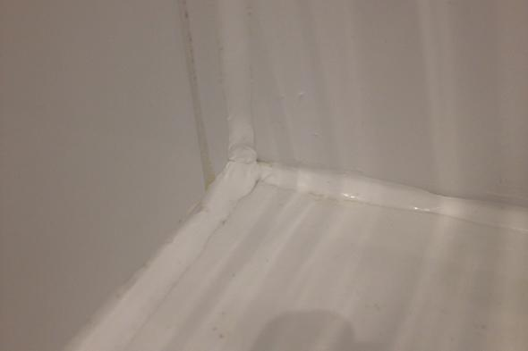 silikonfugen st mperhaft oder sehe ich das falsch renovierung badezimmer. Black Bedroom Furniture Sets. Home Design Ideas