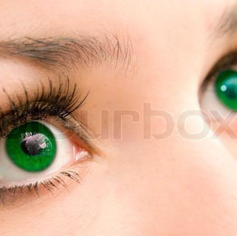 Ist das bearbeitet oder sind das natürliche Augen? - (Augen, grün, natürlich)