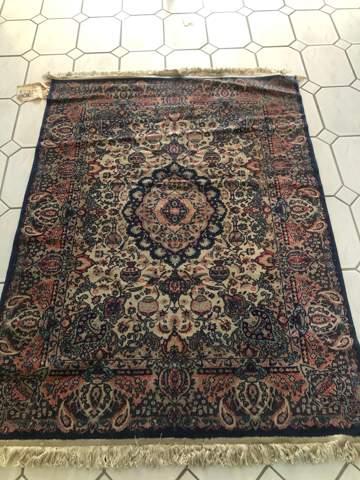 Sind die Teppiche handgeknüpft?