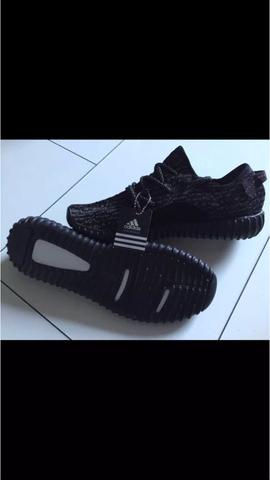 Bild 3 - (Schuhe, adidas, Yeezy)
