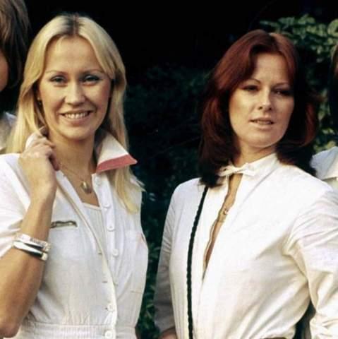 Sind die zwei Frauen von ABBA schön?
