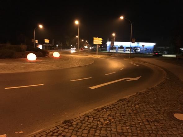 -Kreisverkehr- - (Auto, Verkehr, Verkehrsrecht)