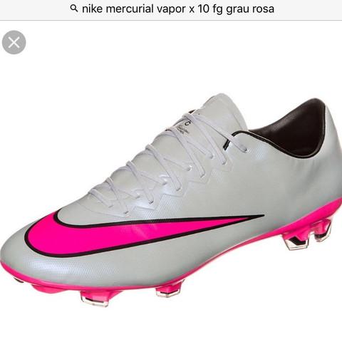 <--- Das sind sie.  - (Fußball, Schuhe, Nike)