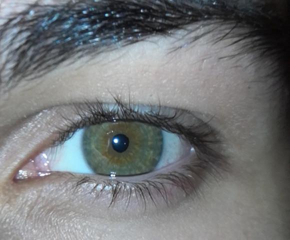 Braunen augen mit jungs Braune Augen