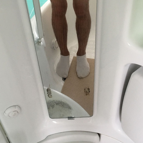 Beide Beine von vorne  - (abnehmen, Diät, Bauch)