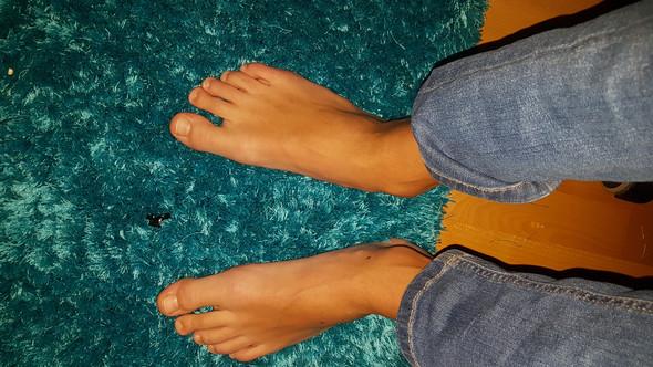 Sind meine Füße sehr hässlich?