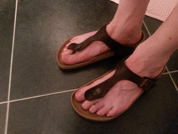 sind mir meine birkenstock zu gro mode schuhe sandalen. Black Bedroom Furniture Sets. Home Design Ideas