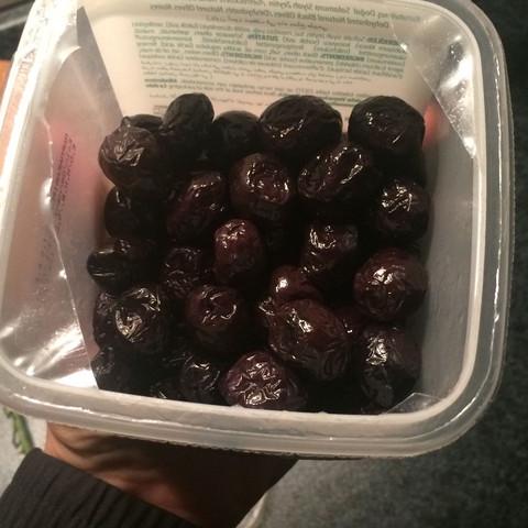 Schwarze getrocknete Oliven  - (Ernährung, health)