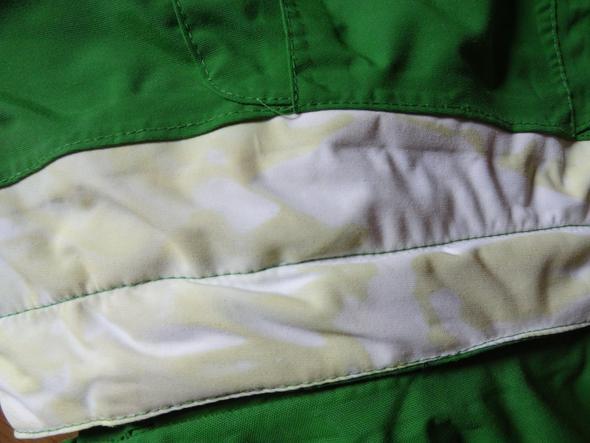 skijacke verf rbt beim waschen was kann ich tun farbe reinigen textilien. Black Bedroom Furniture Sets. Home Design Ideas