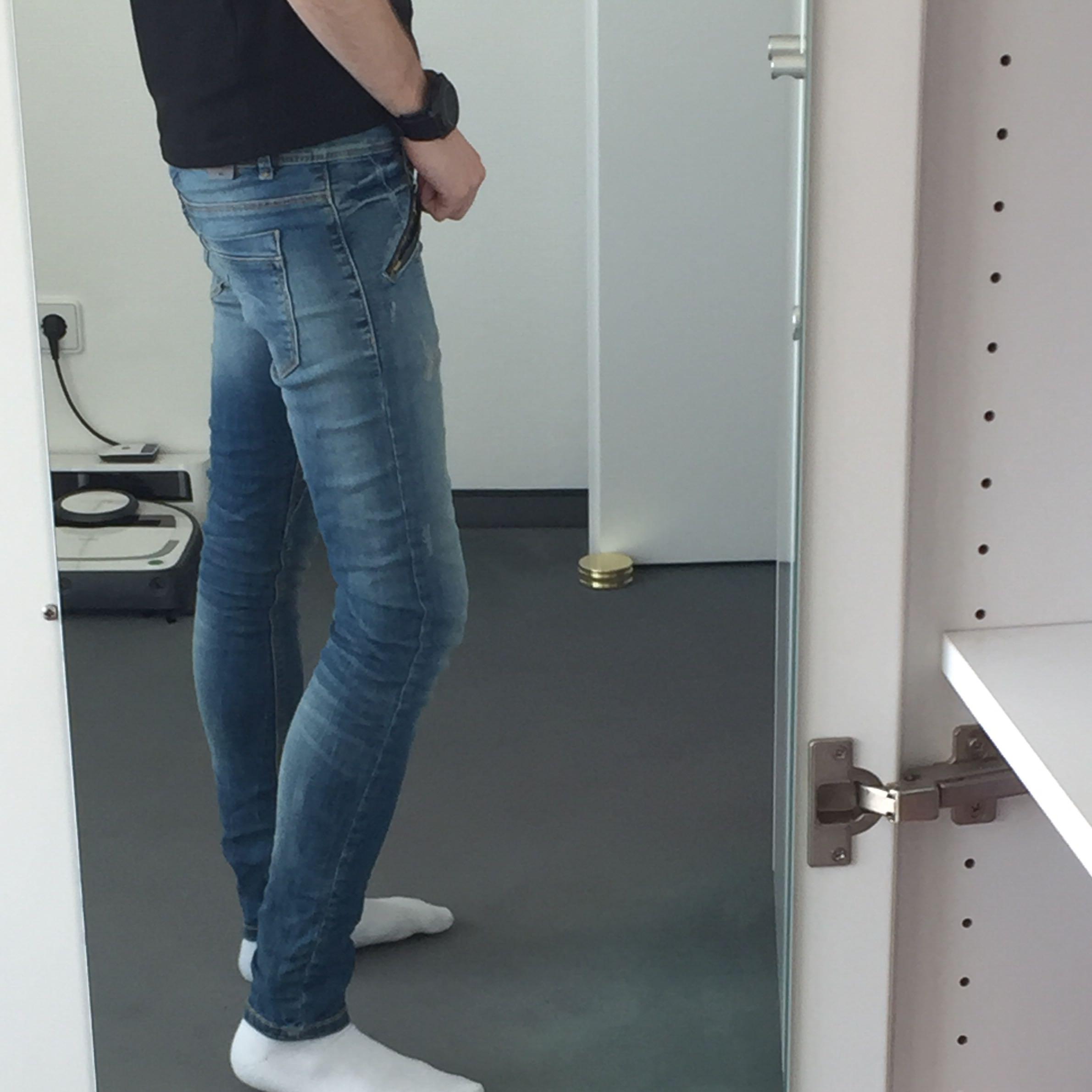 kann ich diese skinny jeans als junge tragen. Black Bedroom Furniture Sets. Home Design Ideas