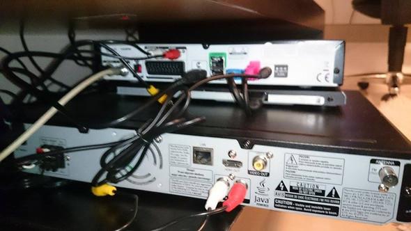 sky receiver mit soundanlage verbinden musik fernsehen fernseher. Black Bedroom Furniture Sets. Home Design Ideas