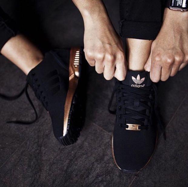 adidas schwarz goldene sohle