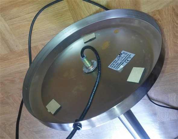 sockelgewicht einer stehlampe deckenfluter ersetzen wie m llvermeidung lampensockel. Black Bedroom Furniture Sets. Home Design Ideas