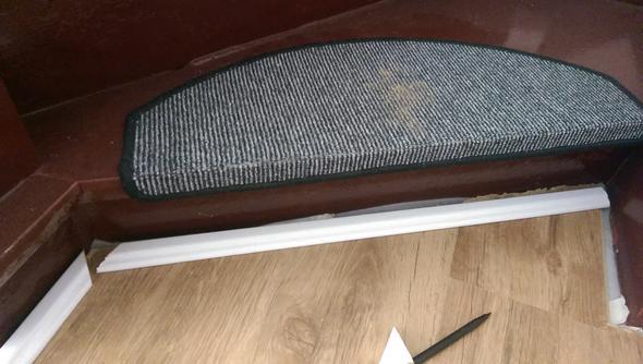 Fußbodenleisten Verlegen ~ Sockelleisten verlegen laminat
