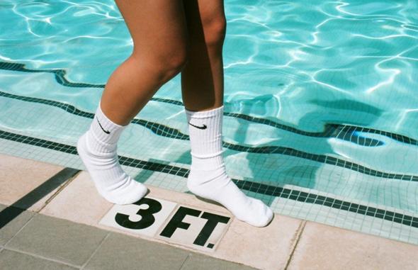 Socken im Schwimmbad?