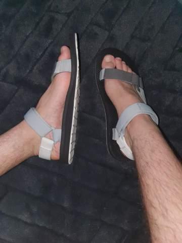 Solche sandalenim sommer tragen zum chillen mit freunden oder für radeltouren?       ?