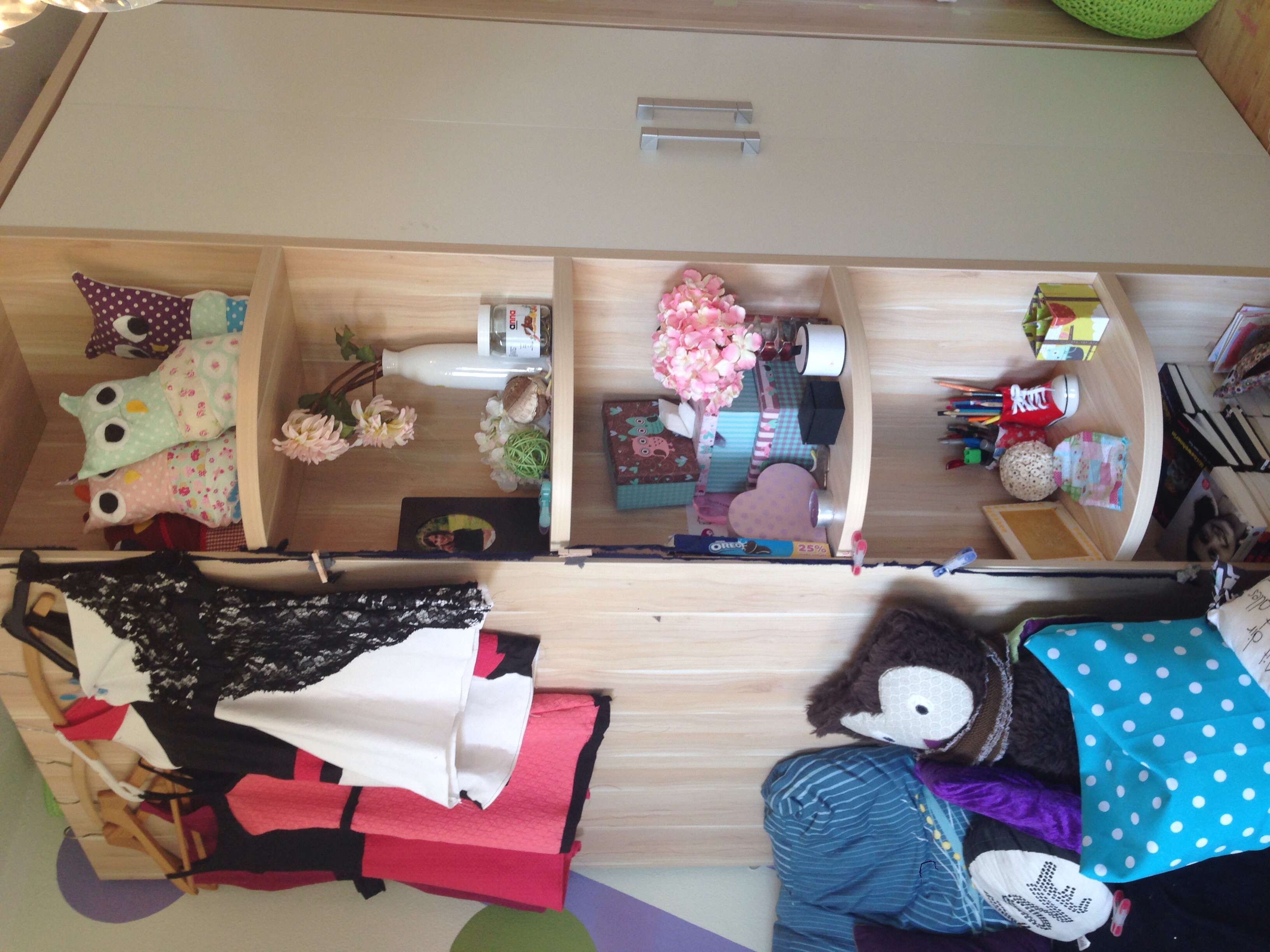 sollte ich mein zimmer ver ndern und wie m dchen m bel einrichtung. Black Bedroom Furniture Sets. Home Design Ideas