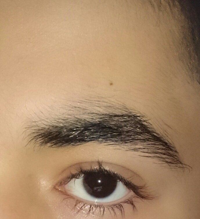 Dürfen Friseure Augenbrauen Zupfen