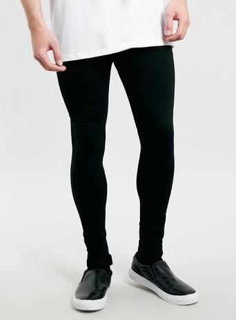 Sollten eurer Meinung nach (sehr)schlanke Jungs mit dünnen Beinen ... 0ab1e322be