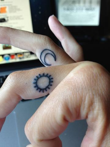 Sonnemond Tattoo Bedeutung Zeichen