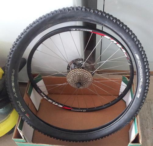 felge und reifen - (platten, Fahrrad schlauch, Löcher Umfang entlang)