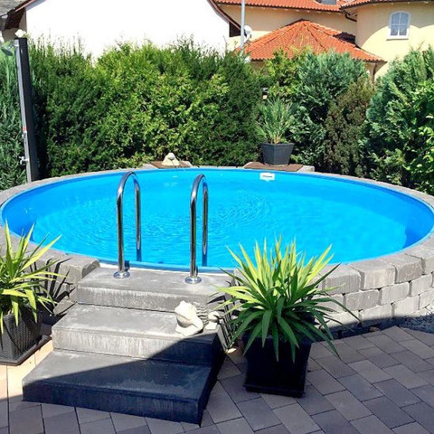 Pool im boden versenken wohn design for Pool mit stahlwand