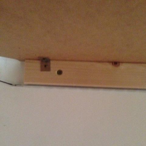steckdose montieren auf holz strom. Black Bedroom Furniture Sets. Home Design Ideas