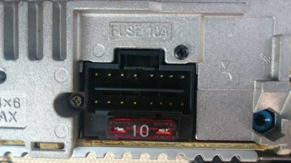 Stecker von Radio passt nicht ins neue Radio (Auto)? (HiFi, Anlage ...