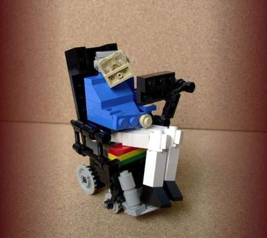 Stephen Hawking als Legofigur - witzig oder makaber?