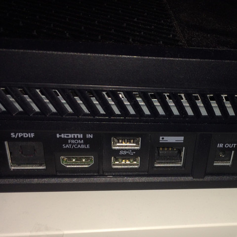 Anschlüsse der Xbox - (XBOX ONE, Panasonic, Soundsystem)