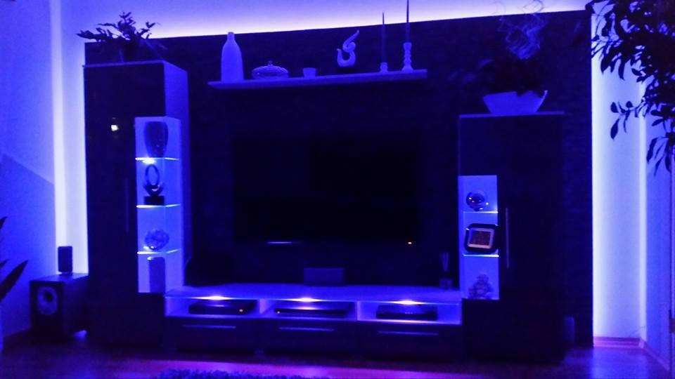 st rungen fernsehsignal wegen led beleuchtung fernseher st rung. Black Bedroom Furniture Sets. Home Design Ideas