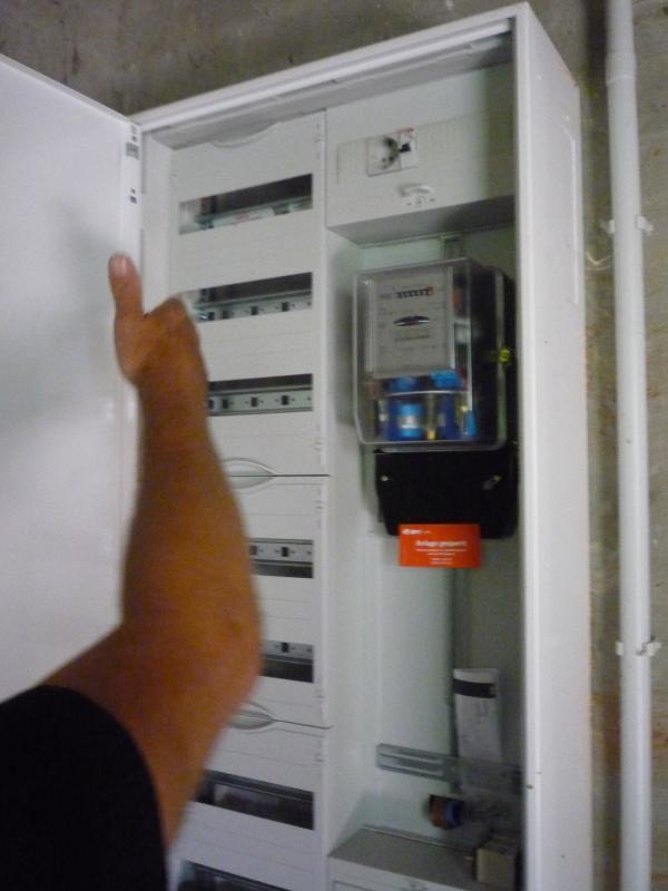 stromkasten stecker hinzuf gen technik haus elektrik. Black Bedroom Furniture Sets. Home Design Ideas