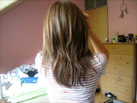 stufenschnitt schiefgegangen  haare frisur frisoer