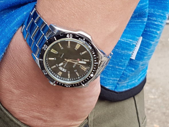 Bild 2 - (Mode, Uhr)