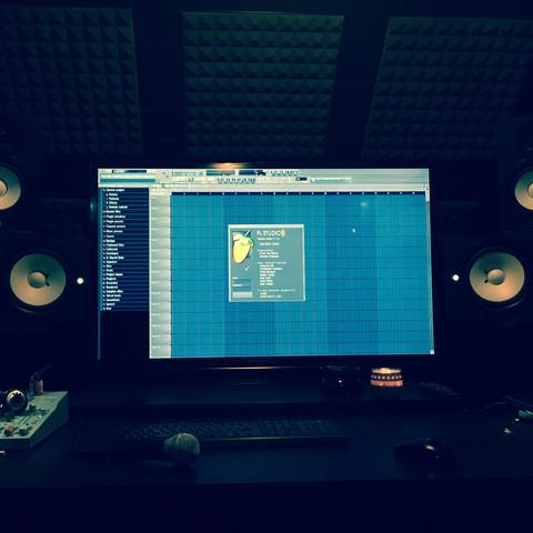 Hoer ein Foto meines Studios - (Musik, FL Studio, Musiker)