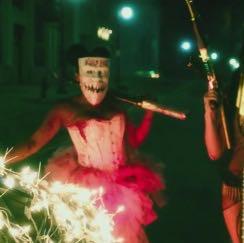 Korsett Richtung und kurz  - (Halloween, Kostüm suche)