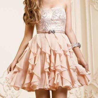 Hier das Kleid  - (kaufen, shoppen, Kleid)