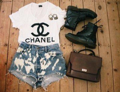 dieses tshirt mein ich :p - (Internet, Mode, Klamotten)