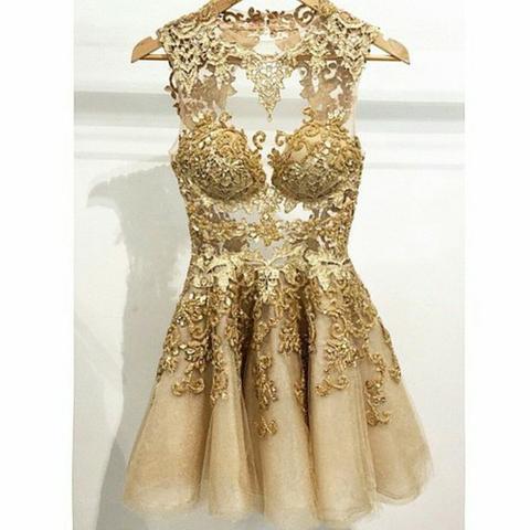Suche ein goldenes Kleid. Bitte um Hilfe. (weheartit)