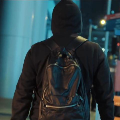 Die reine Schwarze Tasche - (Schule, Musik, Video)