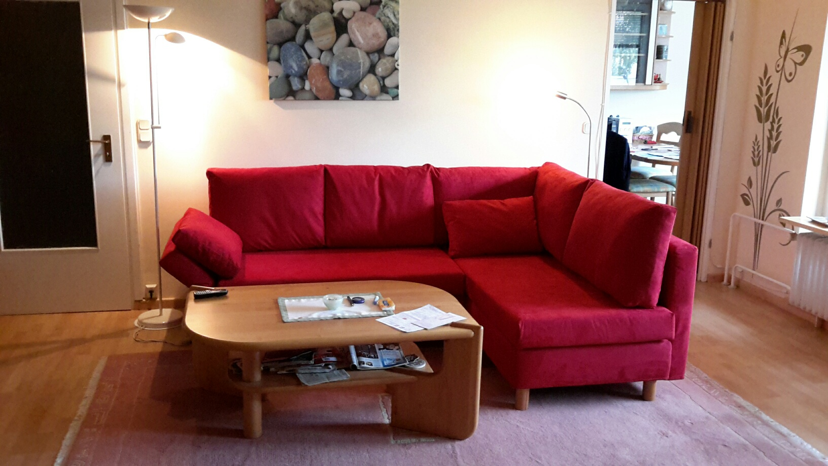 Rote couch wohnzimmer passende wandfarbe - Rote wandfarbe ...