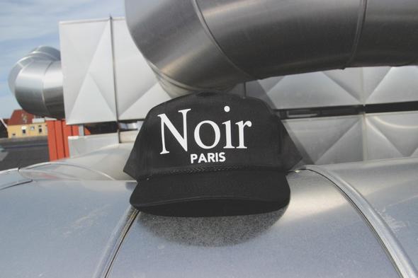 hier die cap - (Paris, Cap, snapback)