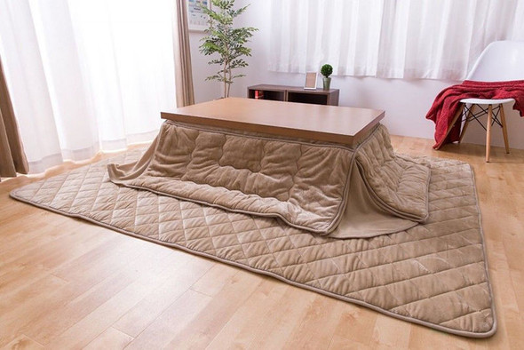 suche ordentliche heizung strom f r sehr kleinen raum japan berhitzung infrarot. Black Bedroom Furniture Sets. Home Design Ideas