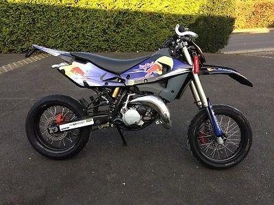 Mobile Angebot  - (Motorrad, Dekoration, Red Bull)