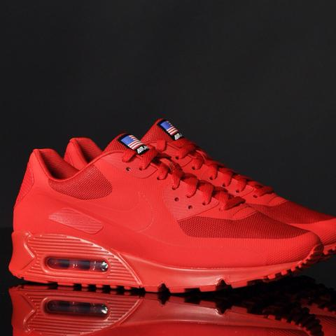 Nike Air Max Hyperfuse Solar Red