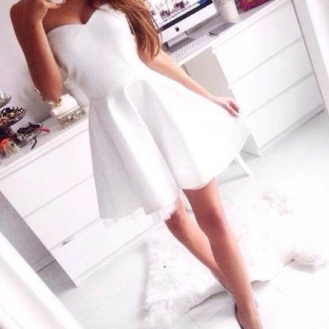 Suche weißes trägerloses kleid (Klamotten, einkaufen)