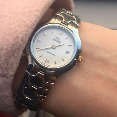 Tagesdatum Jaguar Uhr einstellen?
